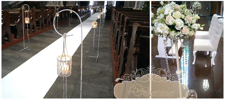 Biały dywan ślubny, krzesła i klęcznik w kościele