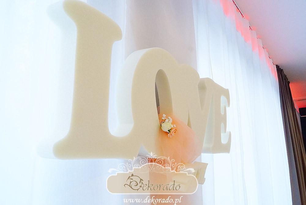 Do dekoracji wykorzystaliśmy litery wykonane ze styroduru